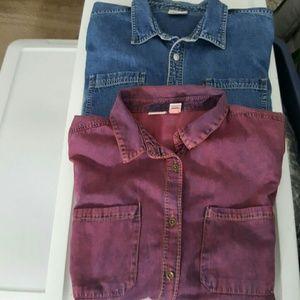 Bundle  1 Levi shirt. 1 Mudd shirt
